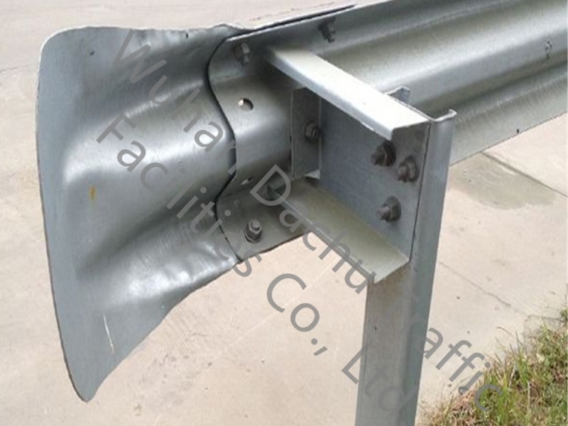 Ограждение из оцинкованной стали для автомагистралей